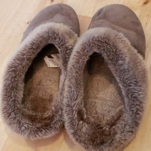 isotoner Shoes - Isotoner Woman's Slippers